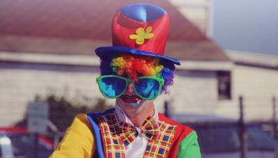 millionaire clown